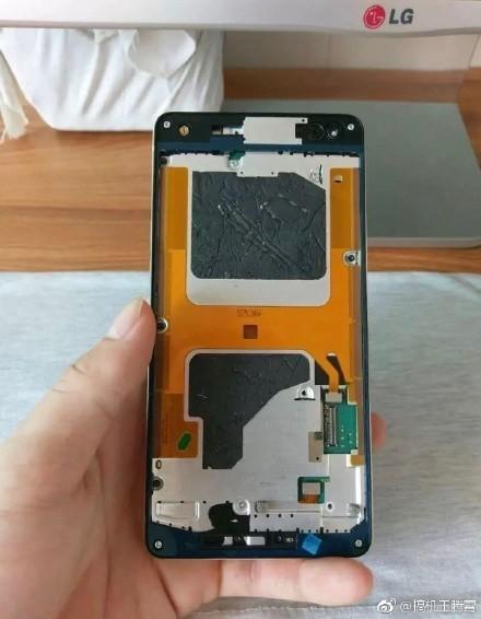 Новые фотографии отменённого смартфона Microsoft Lumia 960